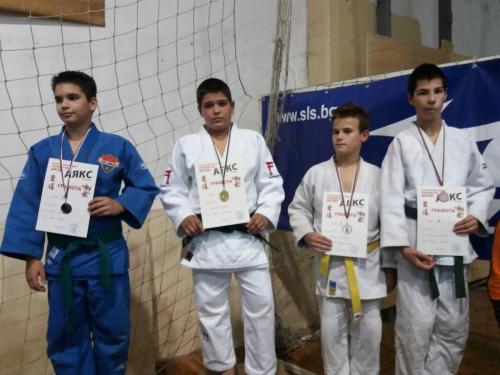 Добрите спортисти печелят медали